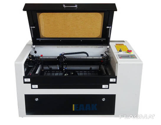 Laser engraving machine and laser cutting machine